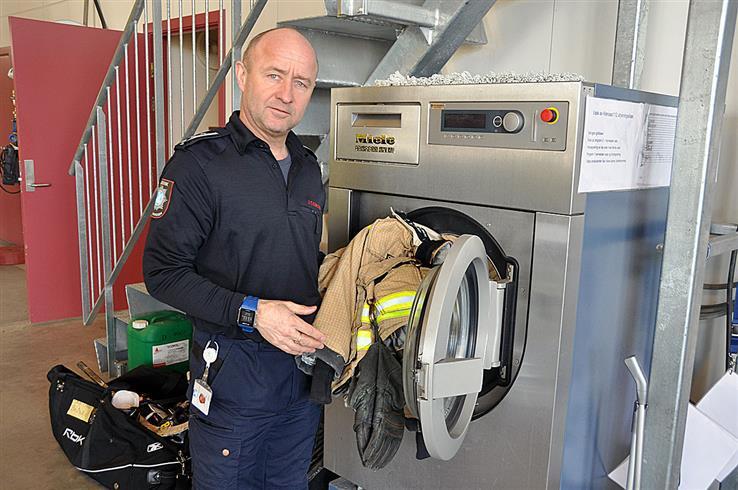 Brannklærne må håndteres riktig, påpeker brannsjef Jan Tore Karlsen.