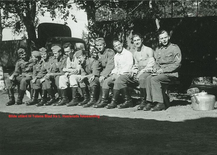 Tyske soldater fotografert på Starum under andre verdenskrig. Bildet har ingen direkte tilknytning til artikkelen. Foto utlånt fra L. Hasleruds fotosamling.