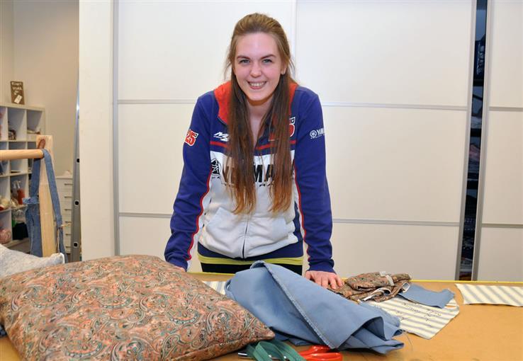 Therese Stavik kom til Stampevegen i fjor høst, og synes det er et fint sted for å komme videre i arbeidslivet. Snart skal hun på jobbintervju.