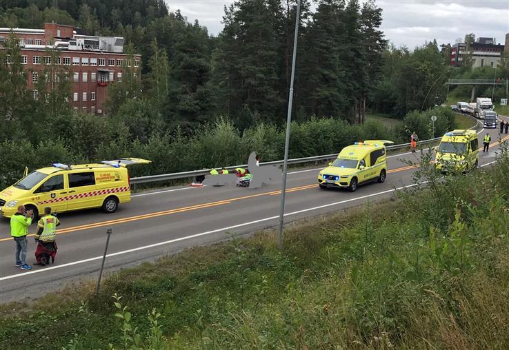 En brannbil og en motorsykkel støtte sammen på Kallerud.