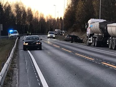 Tre biler var involvert i ulykken.