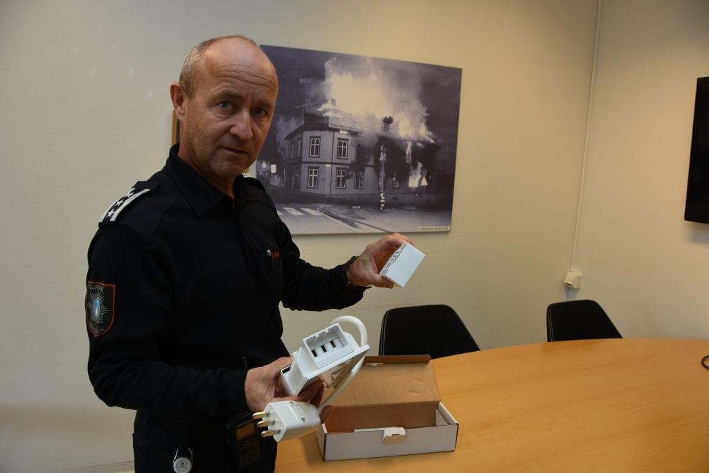Komfyren er brannverstingen, og brannsjef Jan Tore Karlsen vet hva han ville gitt bort i julegave til noen han er glad i. Komfyrvakt.